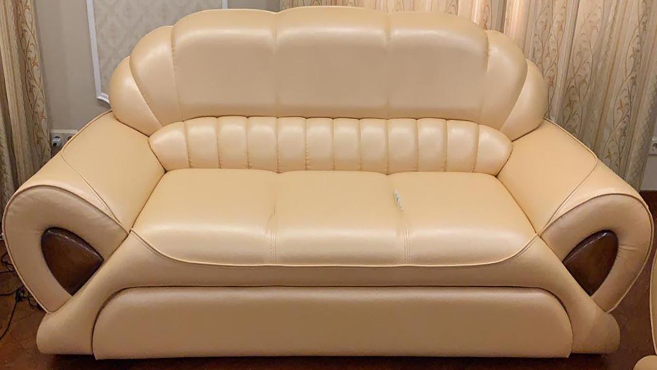 перетяжка обивки дивана необычной формы