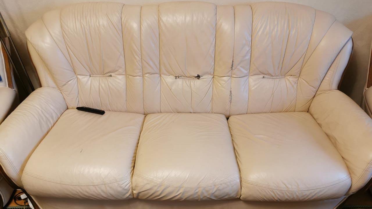 перетяжка обивки дивана классического из натуральной кожи