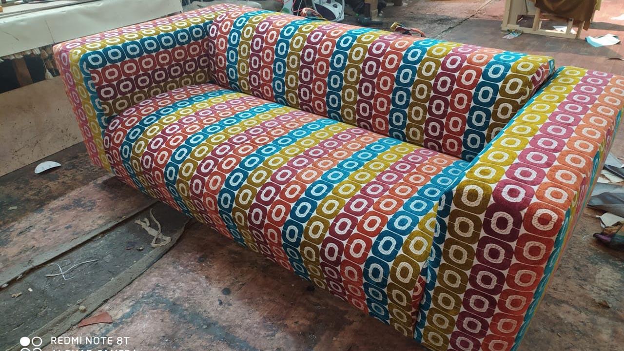 перетяжка обивки диван тринити
